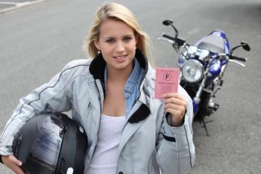 Passer son permis moto : l'équipement est obligatoire