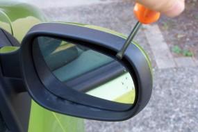 Changer un rétroviseur extérieur : mode d'emploi