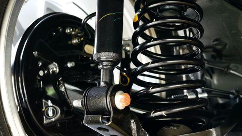 Comment savoir que notre voiture a des problèmes d'amortisseurs ?