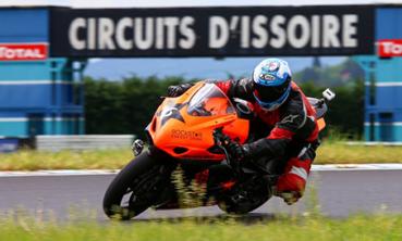Stage de pilotage moto sur le circuit d'Issoire